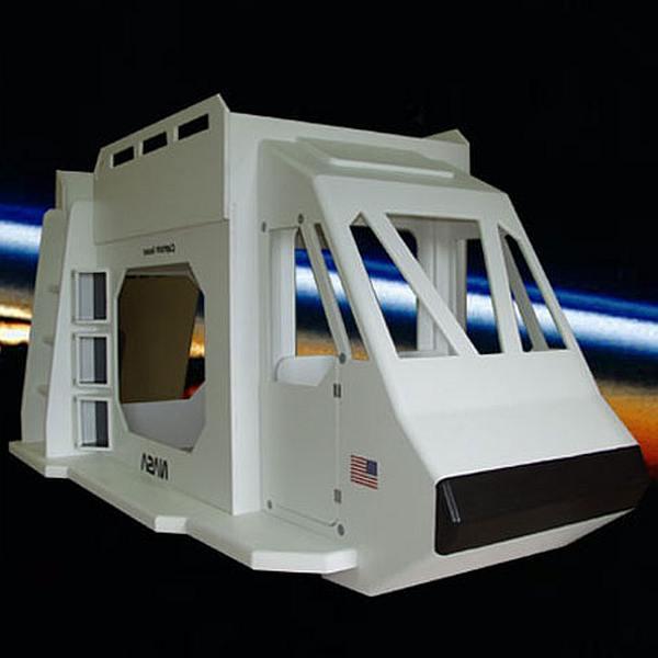 SF kinderbed, ruimtevaartuig als kinderbed maken van MDF board en steigerplanken.