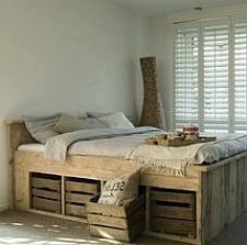Kisten en kratten gebruiken voor eigen meubelbouw for Bed van steigerhout maken