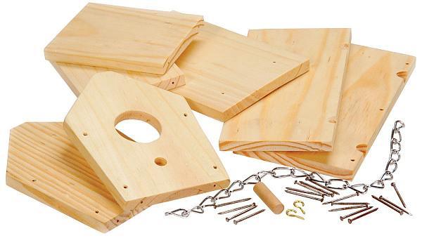 Alle onderdelen die je nodig hebt, nestkast maken van steigerhout.