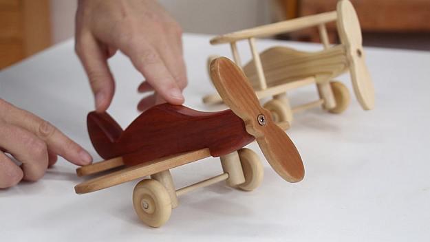 Houten Speelgoed Keuken Zelf Maken : Zelf een speelgoed vliegtuig maken van hout, bouwtekeningen en