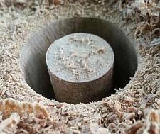 Proppenboor gebruiken voor een pen en gat houtverbinding.
