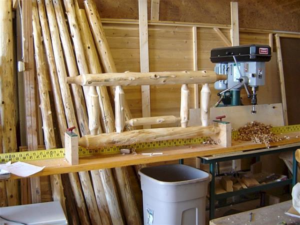 Met de gatenfrees in een kolomboor is het werk een stuk eenvoudiger.
