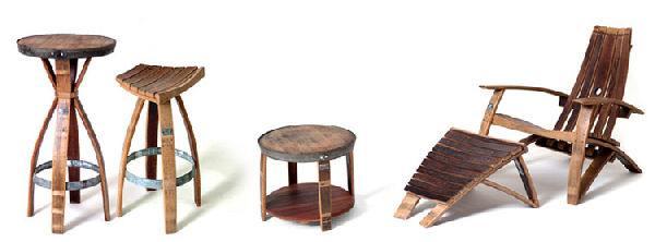 Met de duigen en hoepels van wijnvaten maak je mooie meubelen.