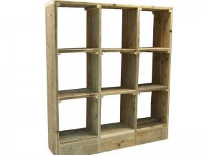 Om zelf te maken van steigerhout, een open vakkenkast als wandmeubel.