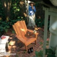 Voor deze houten tuinstoelen zijn gratis bouwtekeningen beschikbaar.