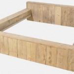 Bed van steigerplanken voor twee personen, om zelf te maken met steigerhout.