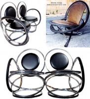 Gerecyclede fietsen als meubelen gebruiken.
