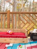 Maak zelf een hondenmand met hout van een pallet.