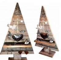 Maak deze houten kerstboom zelf van steigerplanken.