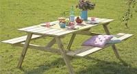 Picknicktafel met opklapbare bankjes om zelf te maken.