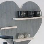 Wandbord in het model van een hart.