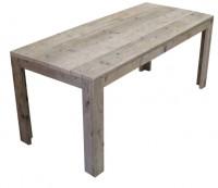 White wash eettafel van steigerhout naar voorbeeld van de gratis bouwtekening.